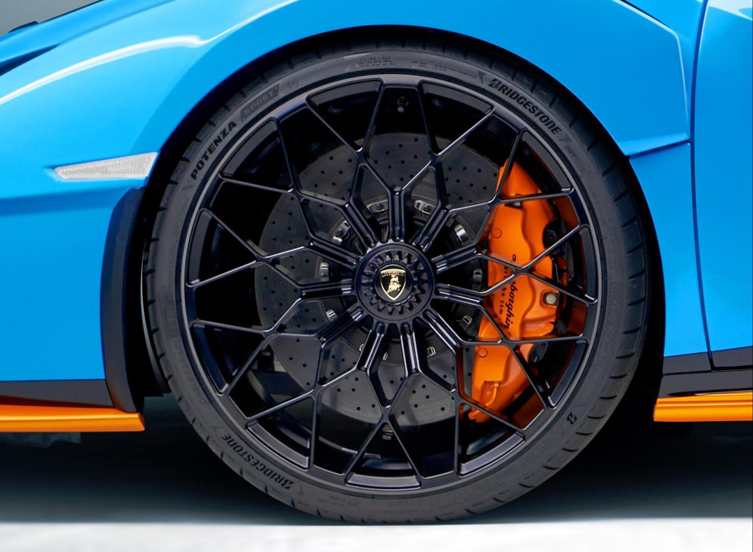 Bridgestone ได้รับเลือกจาก Lamborghini ให้เป็นยางติดรถซุปเปอร์คาร์ Huracán STO