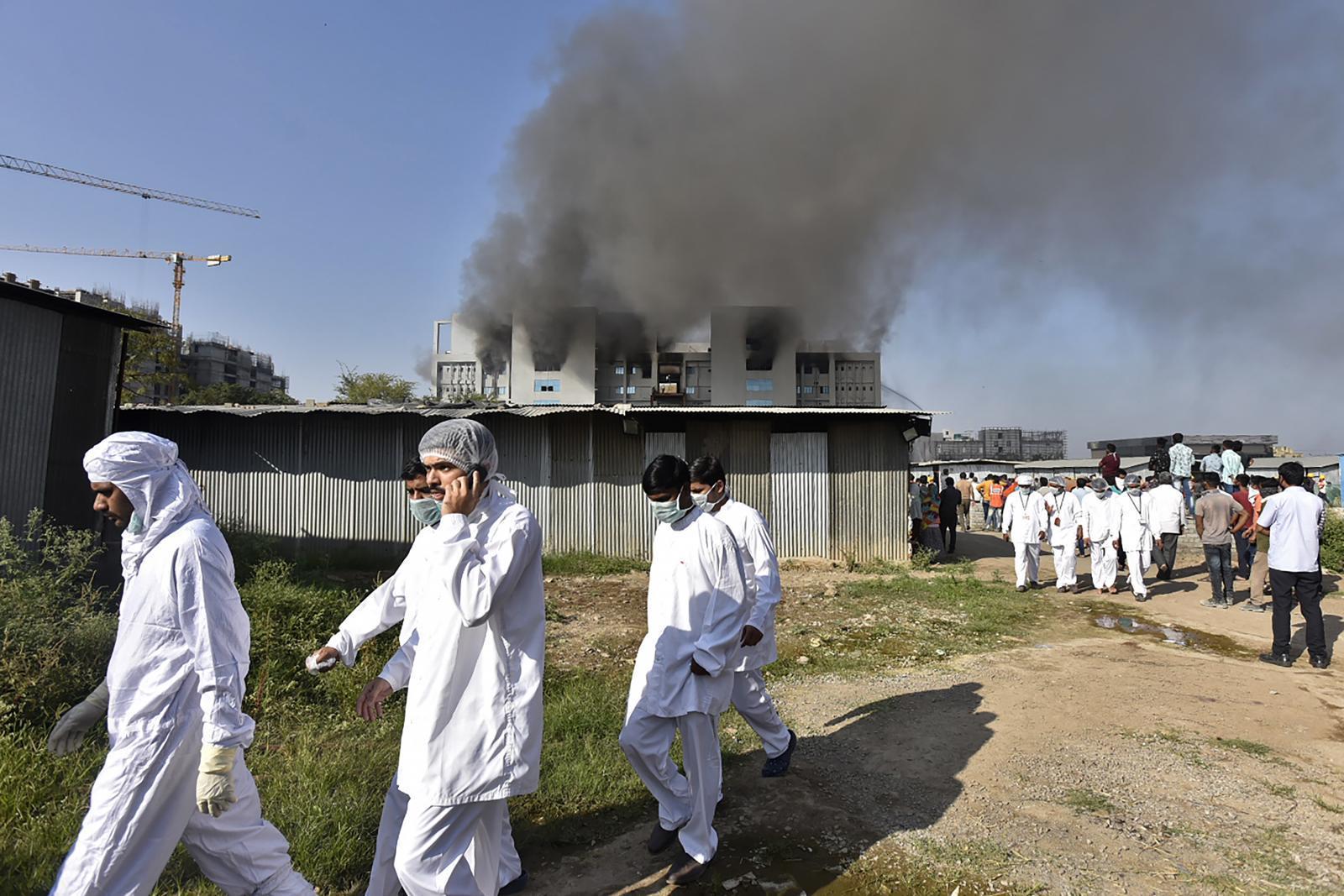 ไฟไหม้โรงงานสถาบันเซรุ่มอินเดีย ผู้ผลิตวัคซีนโควิด-19 รายใหญ่ที่สุดในโลก