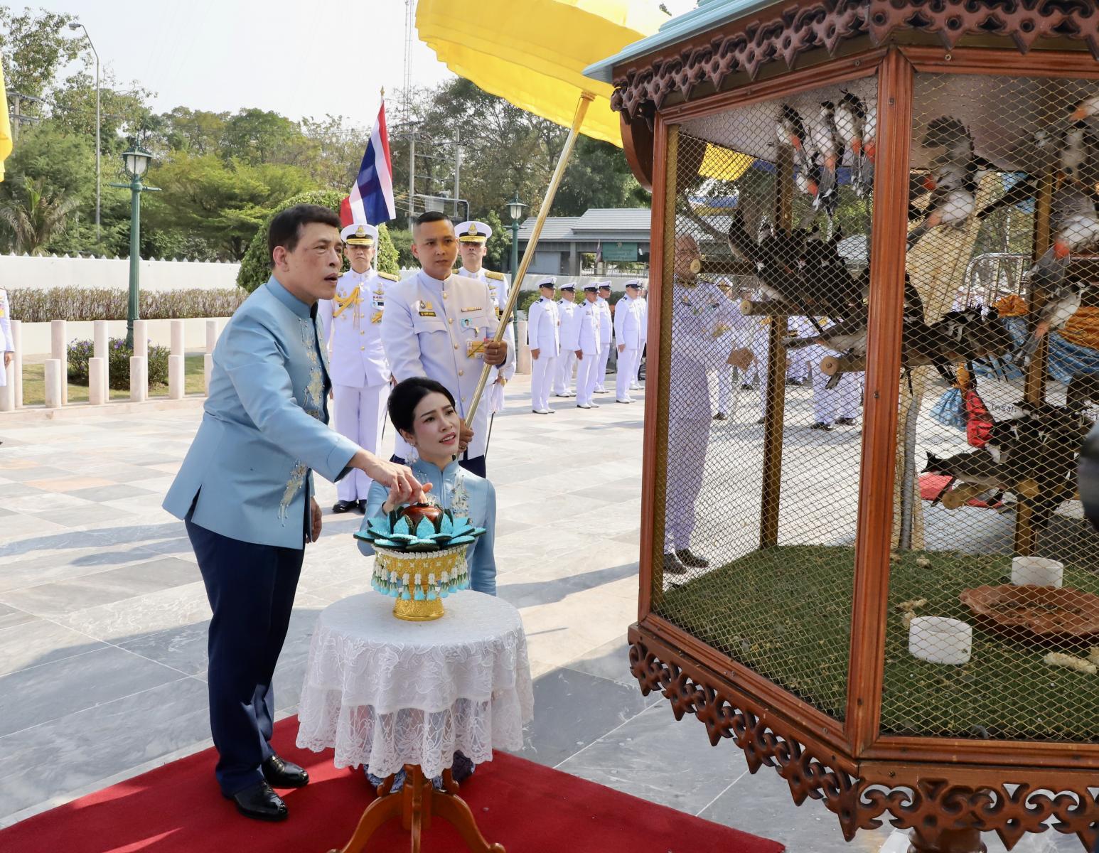 พระบาทสมเด็จพระเจ้าอยู่หัว เสด็จพระราชดำเนิน ทรงบำเพ็ญพระราชกุศล เนื่องในโอกาสวันคล้ายวันเกิด เจ้าคุณพระสินีนาฏฯ