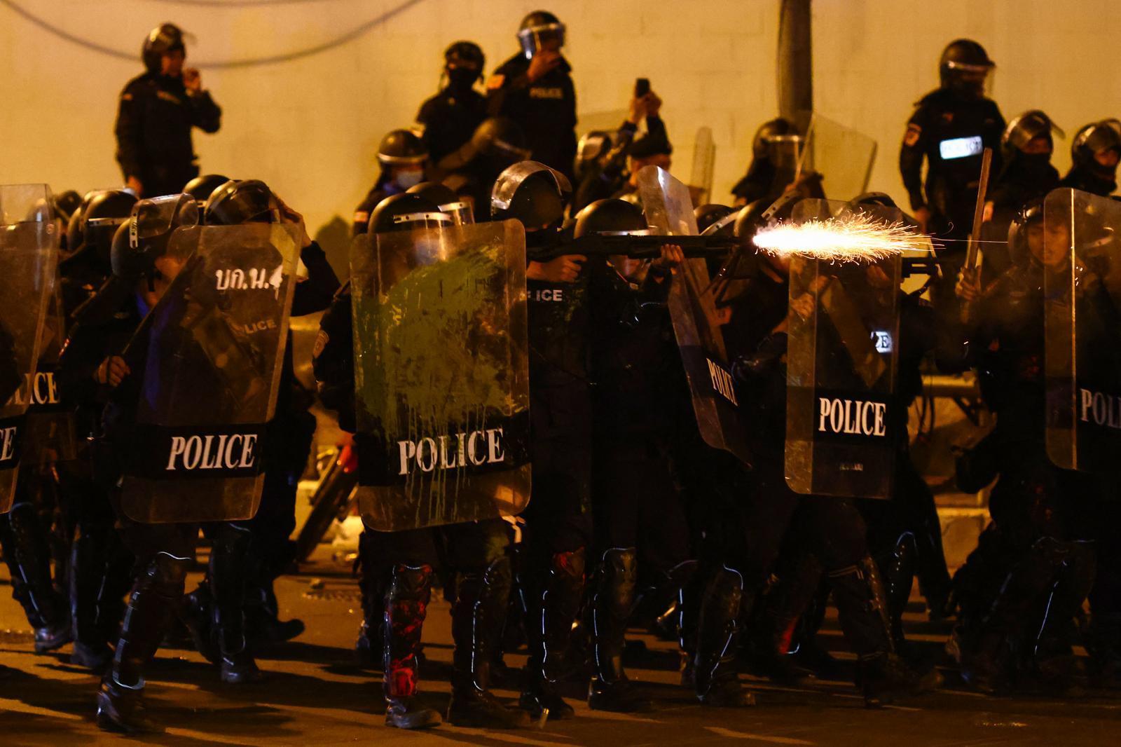 """เปิด """"จรรยาบรรณสากลตำรวจ"""" หลังความรุนแรงจากเจ้าหน้าที่ทวีความรุนแรง"""