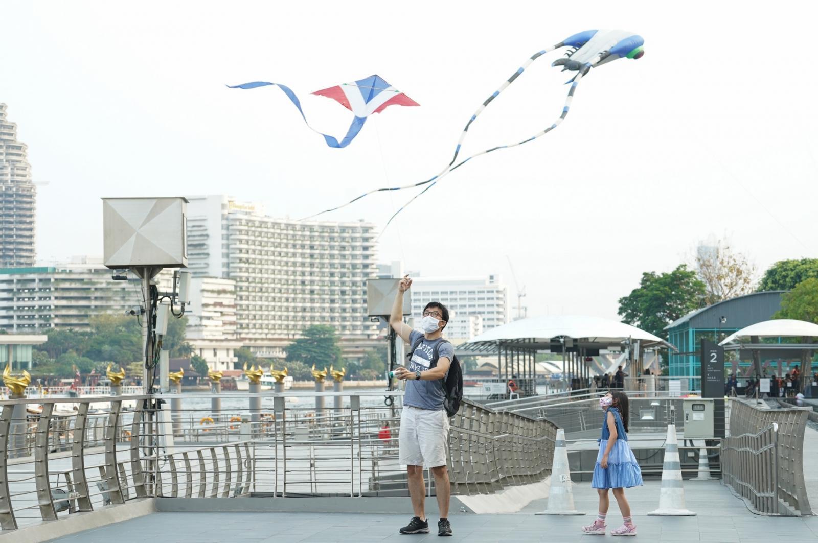 ไอคอนสยาม ชวนสนุกกับ ICONSIAM SUMMER KITE PLAYGROUND เปิดพื้นที่ริเวอร์ พาร์ค จัดกิจกรรมเล่นว่าว พร้อมชมการแสดงจากนักบินว่าวระดับนานาชาติ