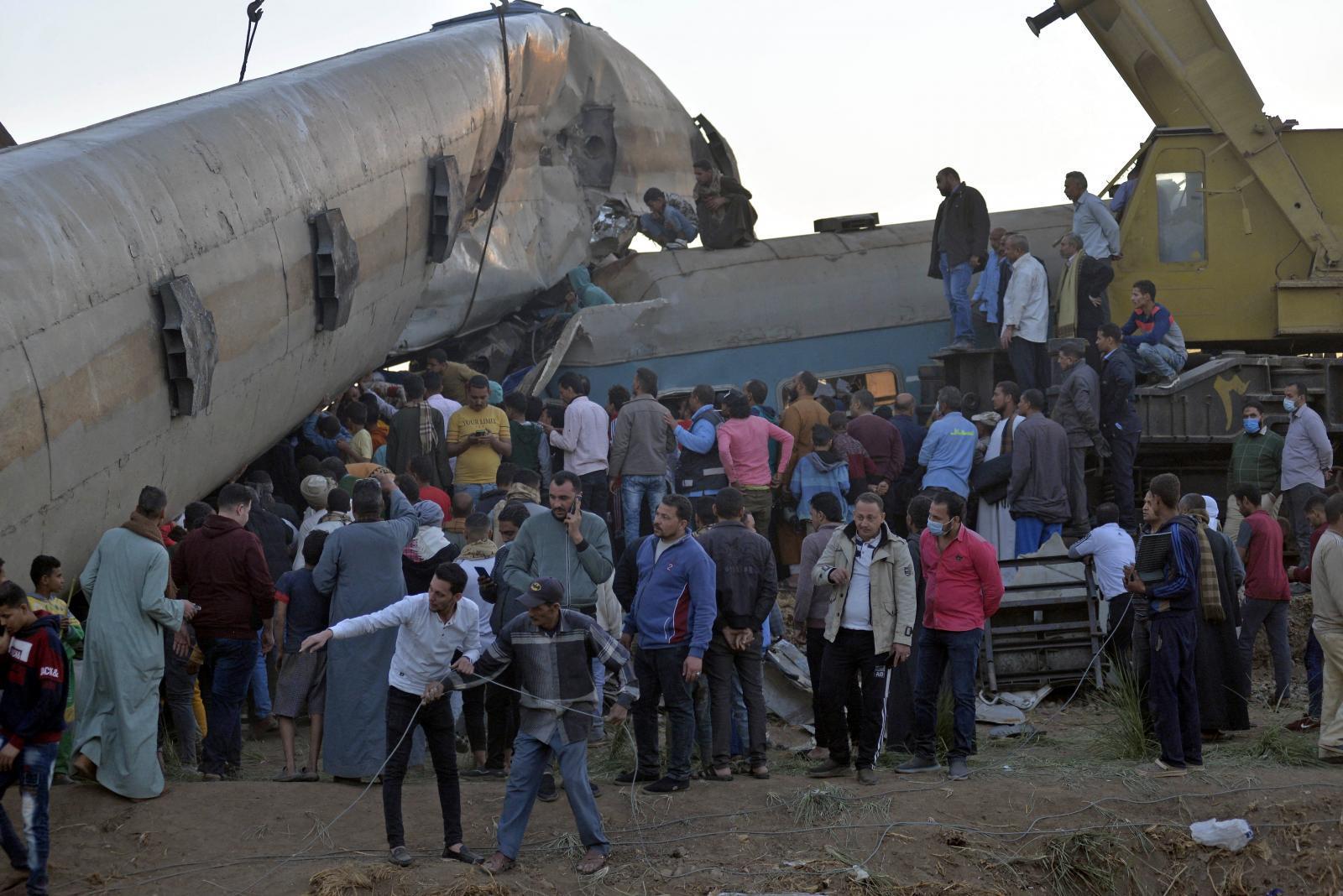 รถไฟ 2 ขบวนชนกันในอียิปต์ เสียชีวิต 32 คน