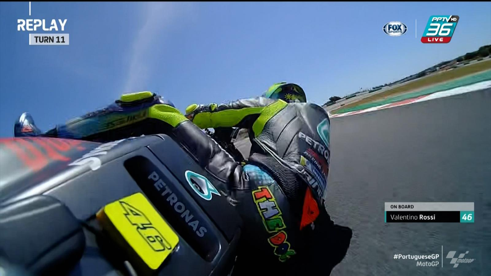 Valentino Rossi เสียจังหวะล้มไปในโค้ง 11