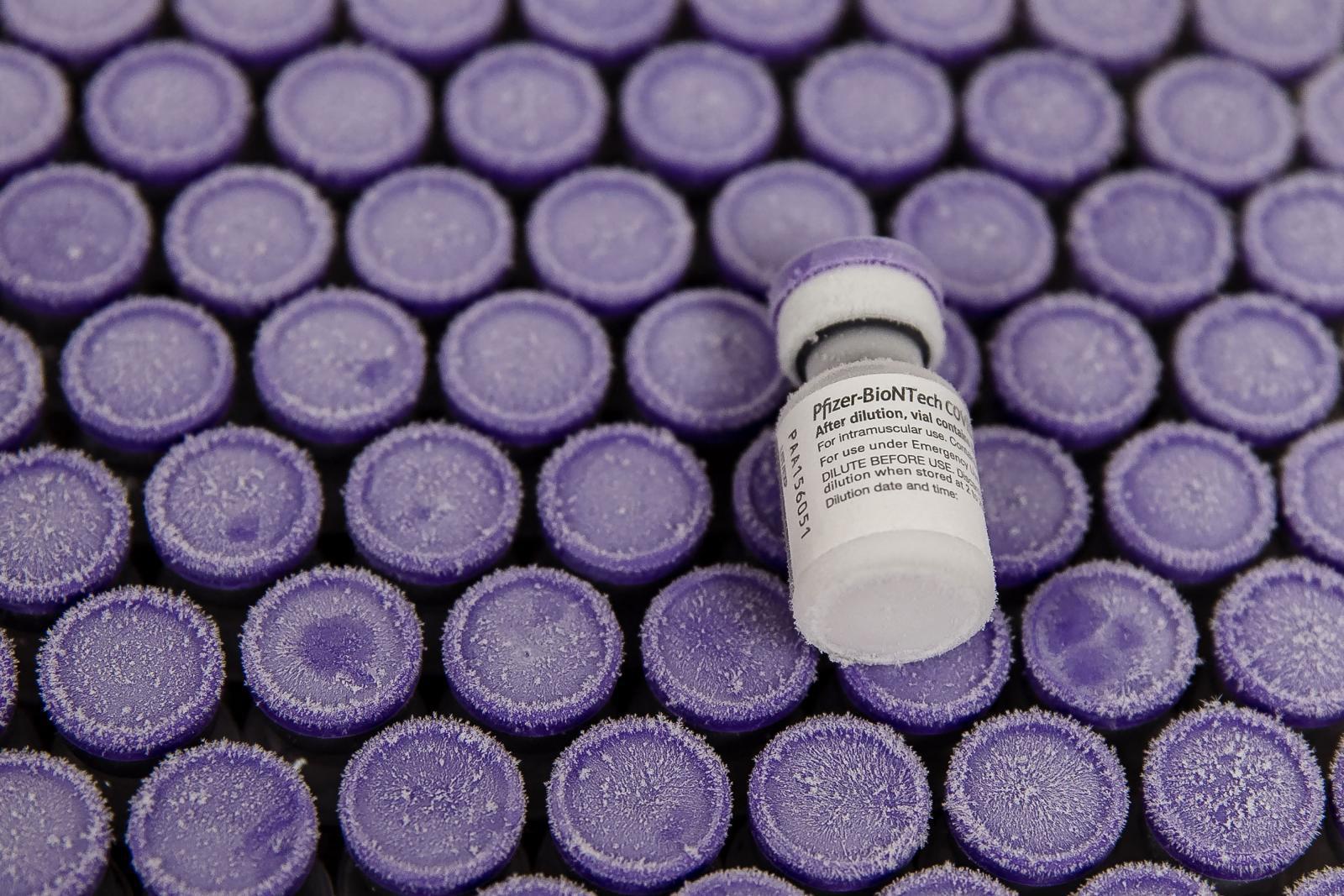"""""""ไบโอเอ็นเทค"""" เลือก """"สิงคโปร์"""" เป็นฐานผลิตวัคซีนโควิด-19 ไฟเซอร์ในเอเชีย"""