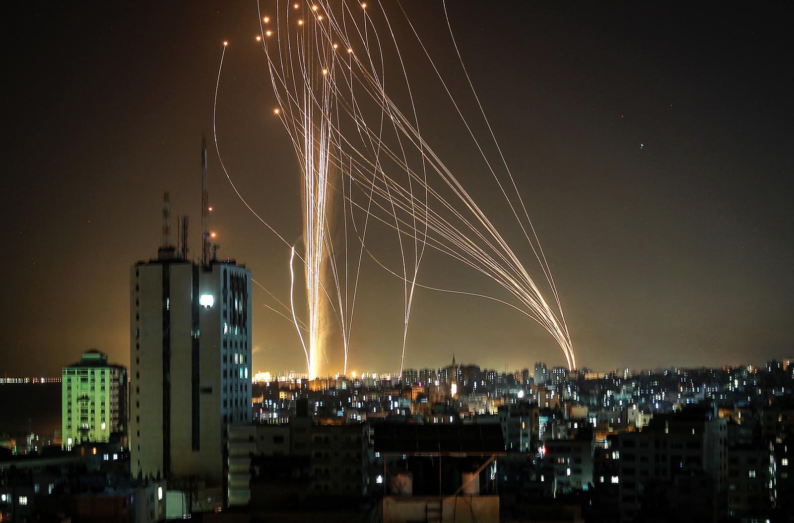 """ยูเอ็น จี้ อิสราเอล - ปาเลสไตน์ หยุดยิงถล่ม ด้านสหรัฐฯ ประณาม """"กลุ่มฮามาส"""""""