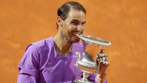 """""""นาดาล"""" ชนะ """"ยอโควิช"""" คว้าแชมป์เทนนิสโรม สมัยที่ 10"""