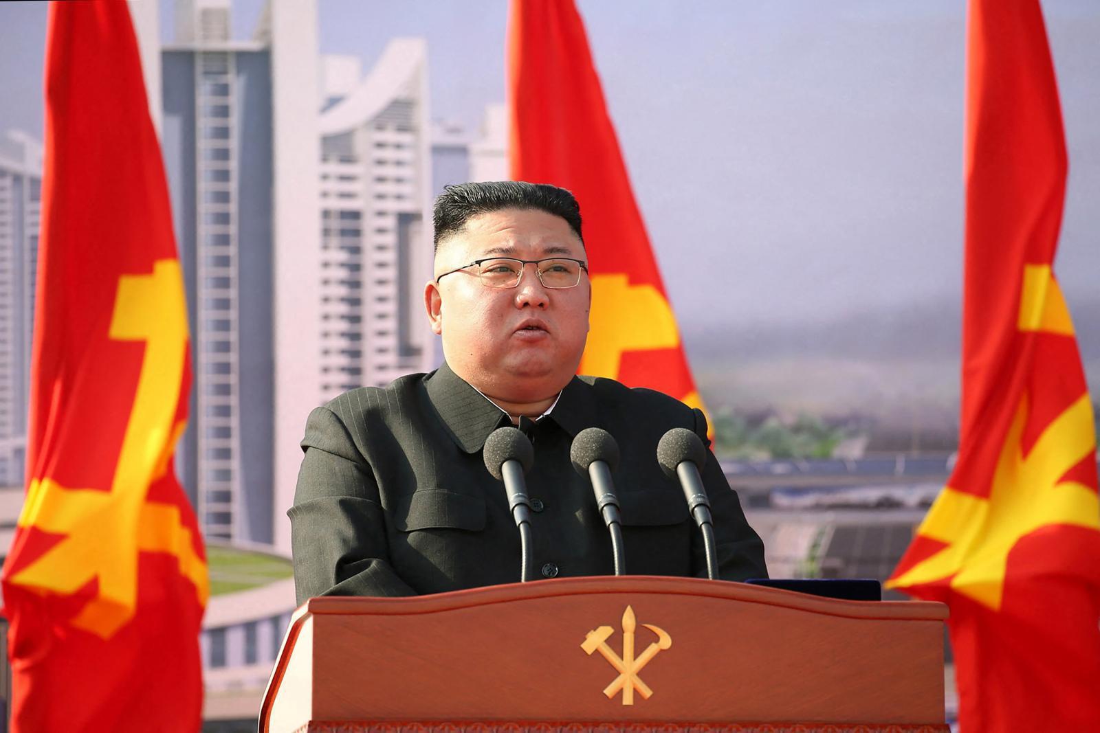 ผู้นำเกาหลีเหนือ ขู่วัยรุ่น ฟังเพลงเคป๊อบ-ดูซีรีส์ จับขังค่ายแรงงาน