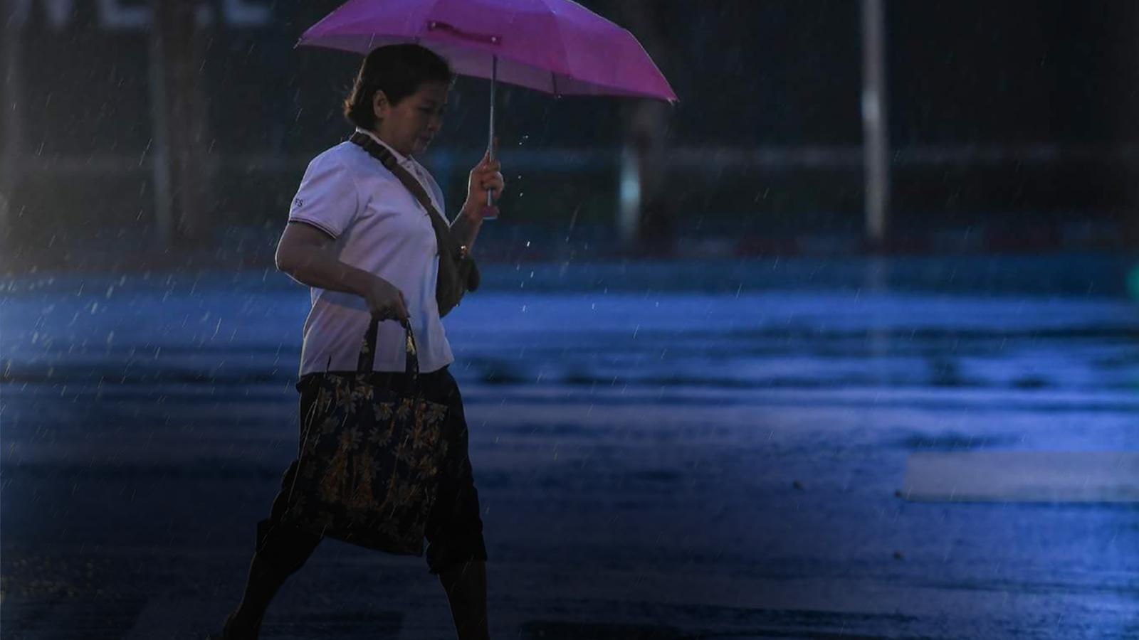 """อุตุฯ เตือน พายุโซนร้อน """"โคะงุมะ"""" เหนือระวังฝนตกหนัก"""