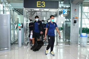 """""""ทัพช้างศึก""""เดินทางถึงไทยหลังจบศึกฟุตบอลโลก 2022 รอบคัดเลือก"""