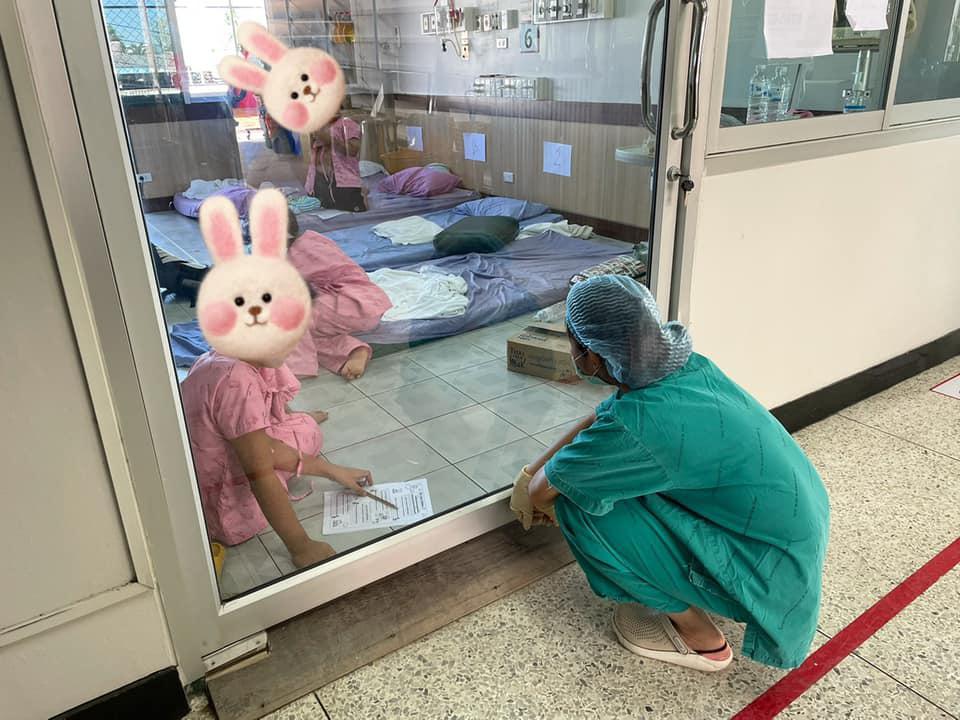 """""""โควิดวิทยา"""" โรงเรียนในห้องความดันลบ นักเรียนติดโควิด หมอ พยาบาล เป็นครูจำเป็น"""