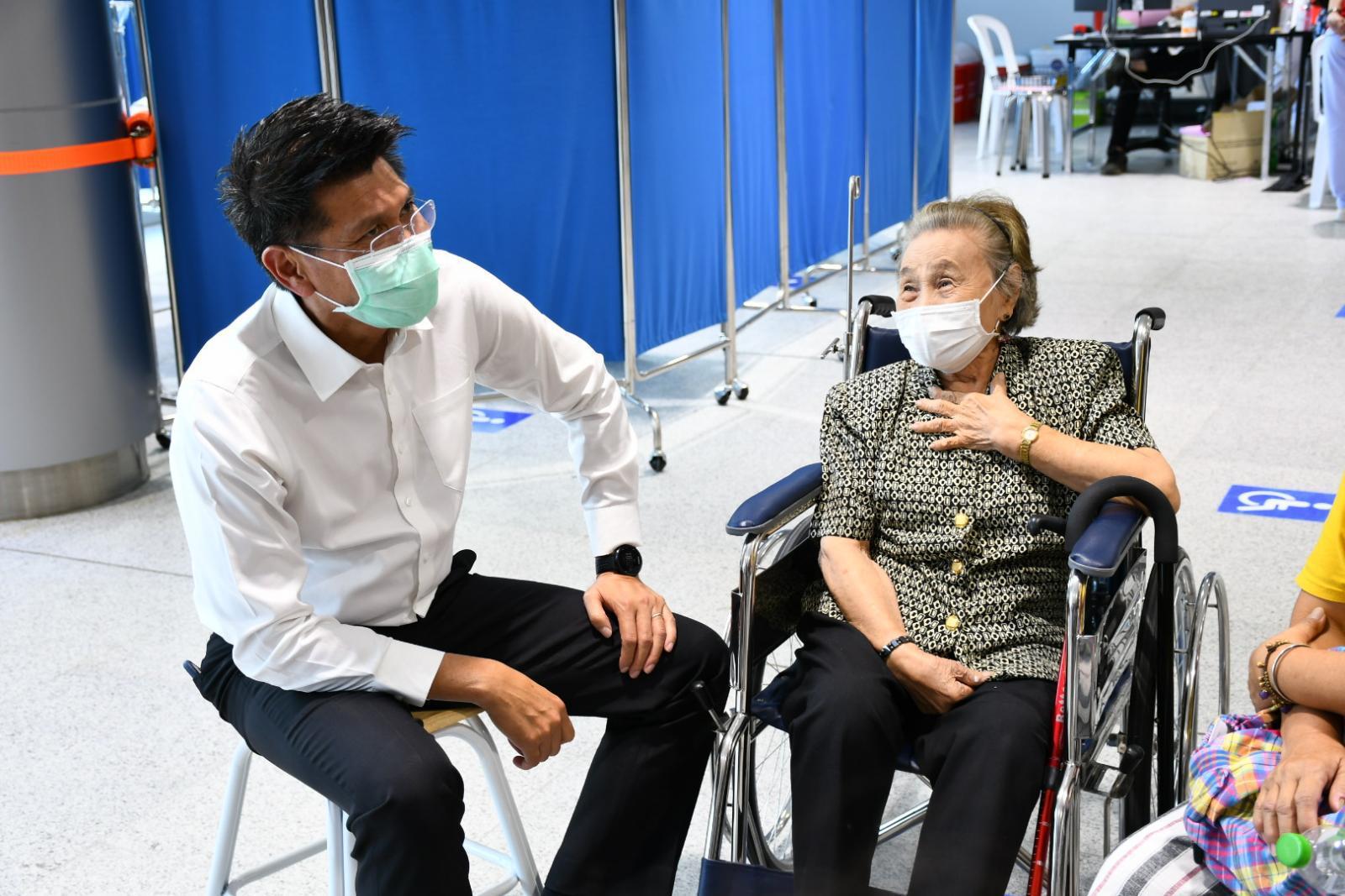 กรมการแพทย์ โชว์ความพร้อมศูนย์แรกรับฯ นิมิบุตร และศูนย์วัคซีนบางซื่อ ย้ำเข้มมาตรการคุมโรค ดันแผนเปิดประเทศใน 120 วัน