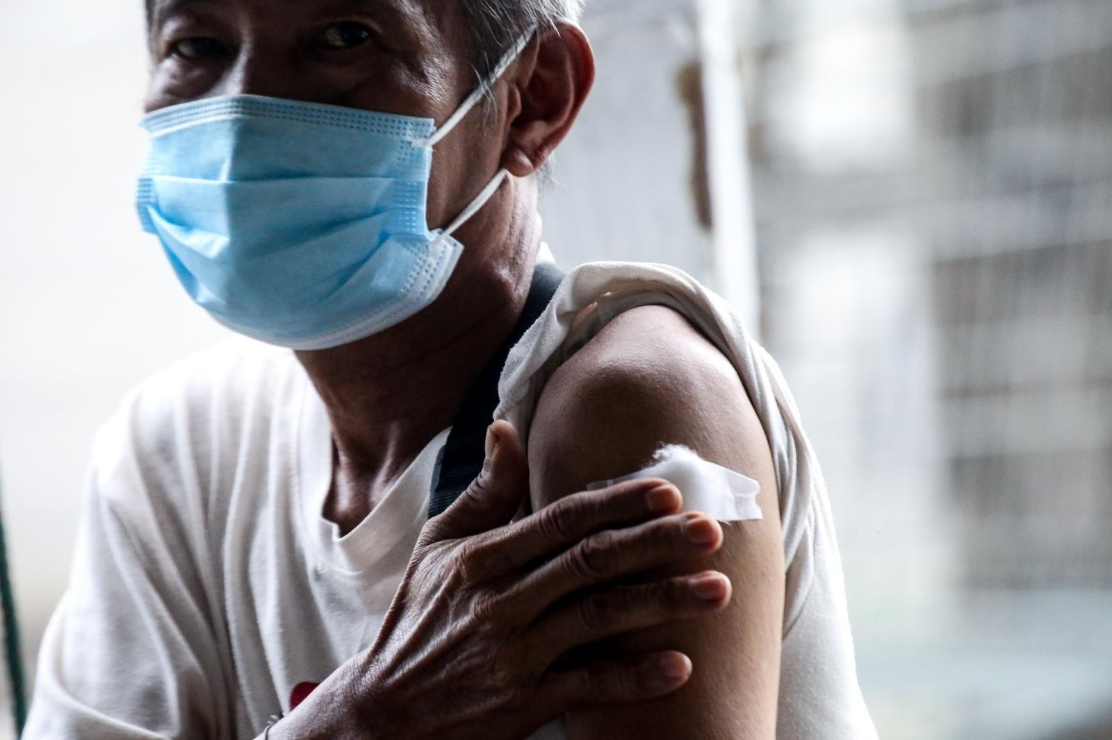 """อัปเดตข้อมูล """"การฉีดวัคซีนโควิด-19 สองเข็มต่างชนิดกัน"""" ทำได้หรือไม่?"""