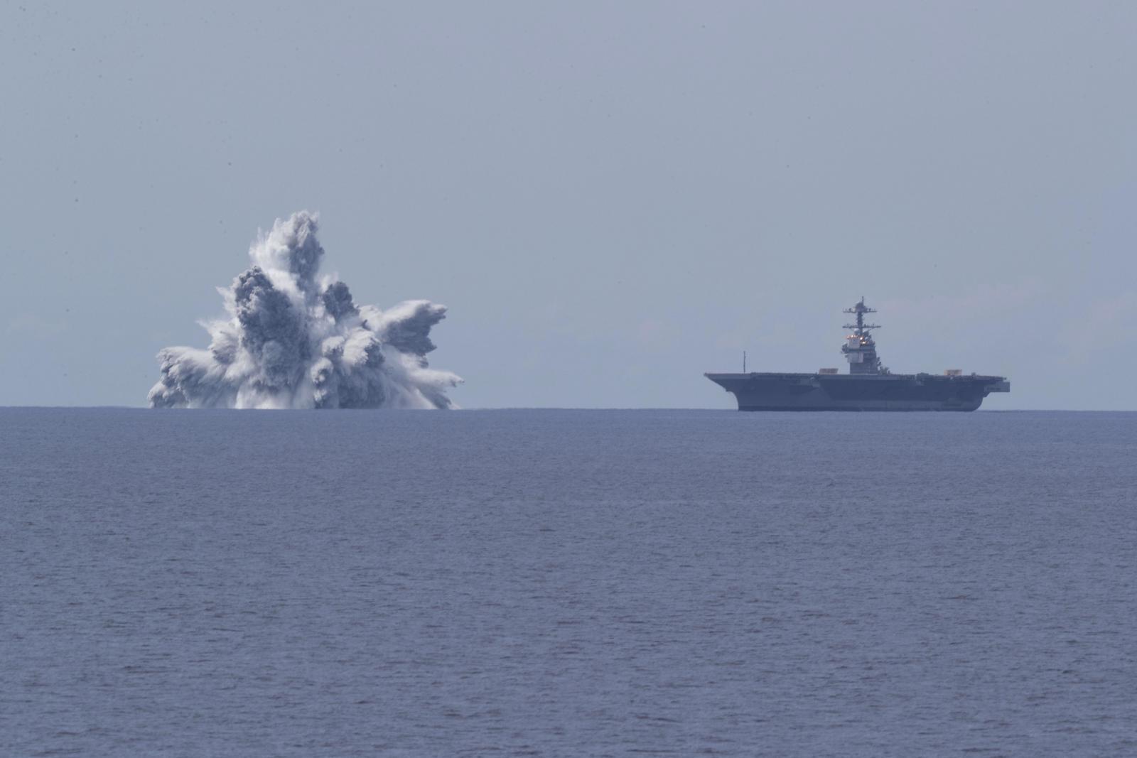 ทัพเรือสหรัฐฯ จุดระเบิด 20 ตันทดสอบความแข็งแกร่งเรือบรรทุกเครื่องบิน