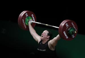 """""""นิวซีแลนด์"""" ไฟเขียวส่งนักกีฬายกน้ำหนักข้ามเพศลุยโอลิมปิกเกมส์"""