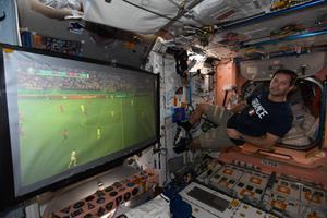 นักบินอวกาศฝรั่งเศสโพสต์ภาพเชียร์ยูโร 2020 จากนอกโลก
