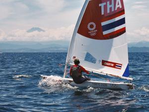เรือใบสาวไทยลุยพายุ ลุ้นเข้ารอบสุดท้าย โอลิมปิกเกมส์ 2020