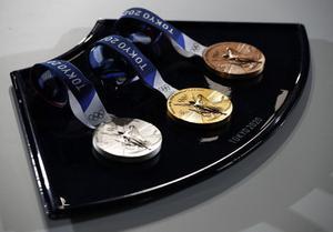 """""""ญี่ปุ่น""""ทำเหรียญโอลิมปิก จากมือถือ 6 ล้านเครื่อง"""