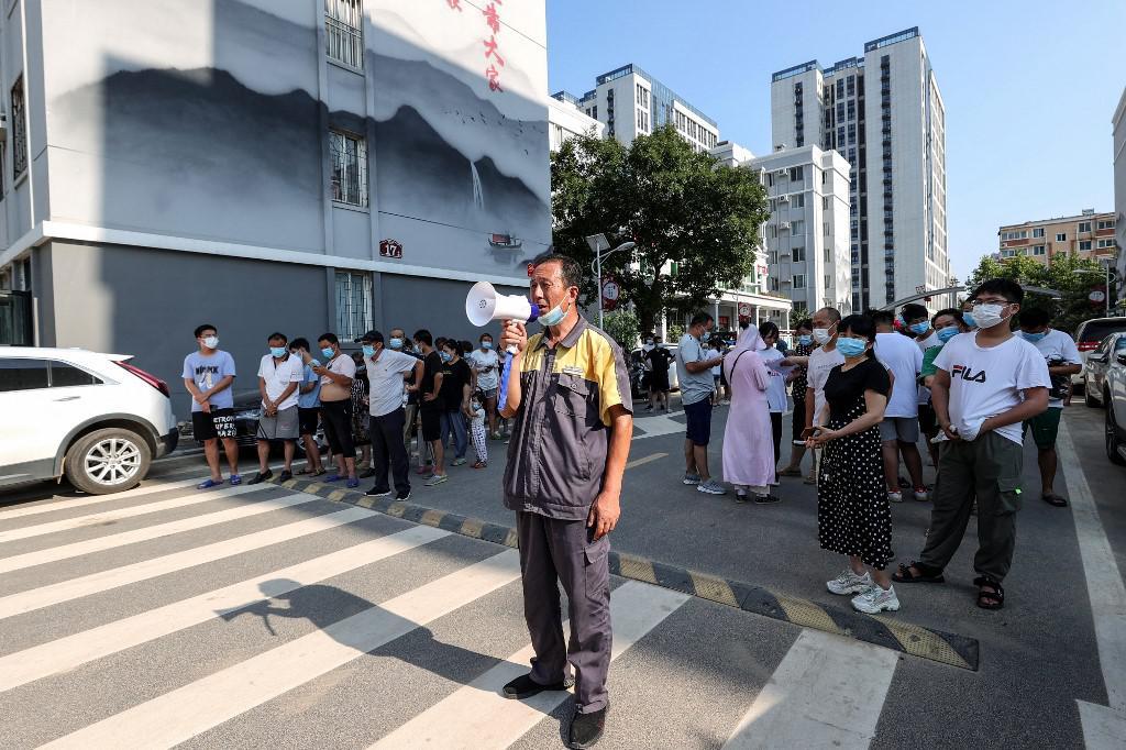 หลายเมืองในจีนยกระดับมาตรการป้องกัน รับมือโควิดหนานจิง