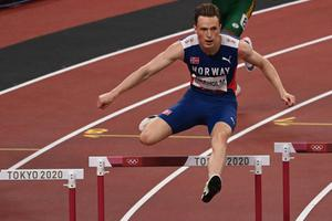 หนุ่มนอร์เวย์ทุบสถิติวิ่งข้ามรั้ว 400 เมตร โอลิมปิก 2020