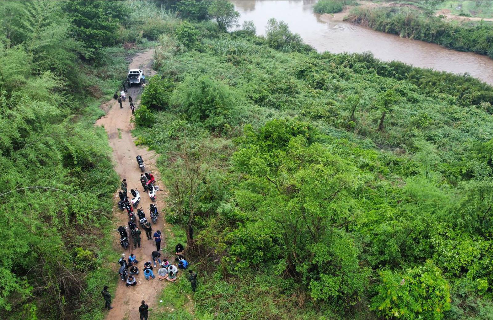 แรงงานกัมพูชาหนีโควิด-19 ในไทย เดือน มิ.ย. แห่กลับเพิ่ม 2 เท่า