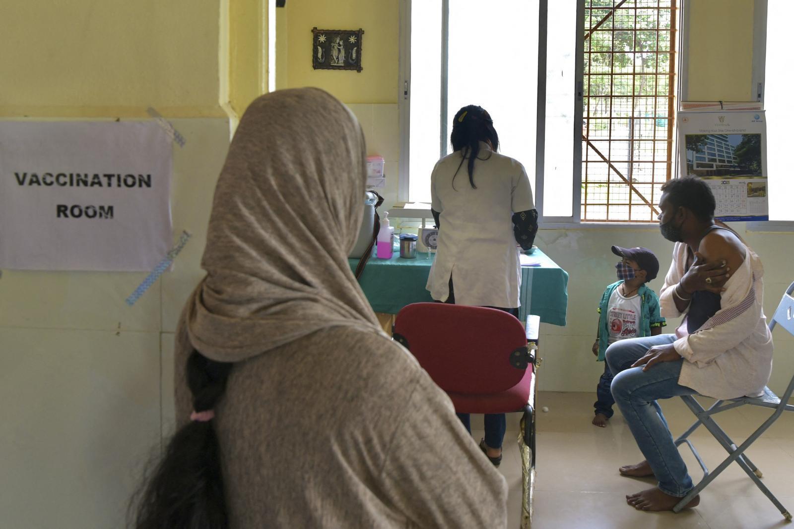 """องค์การอนามัยโลกรายงานพบ """"วัคซีนปลอม"""" ในอินเดีย-แอฟริกา"""