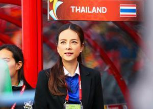 """ส.บอล แต่งตั้ง """"มาดามแป้ง"""" ผจก.ทีมชาติไทยชุดใหญ่ -ยู 23"""