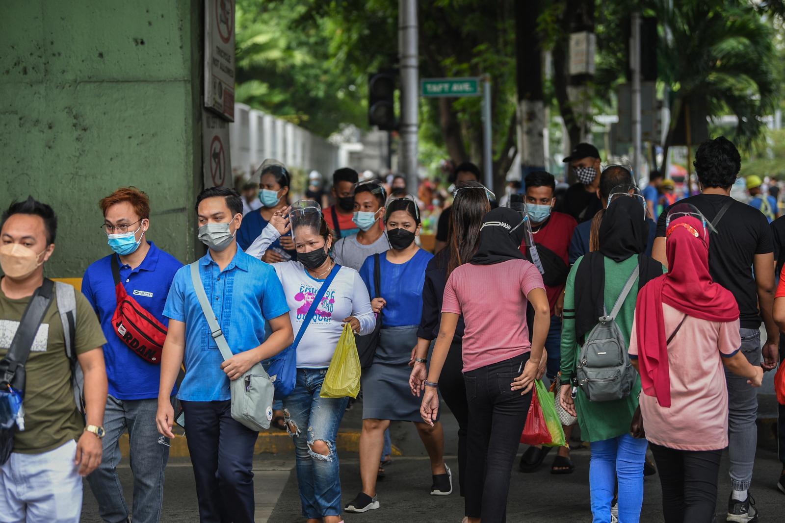 มาเลเซียติดโควิดทะลุ 2 ล้านคน จ่อคลายล็อก เปิดเศรษฐกิจ