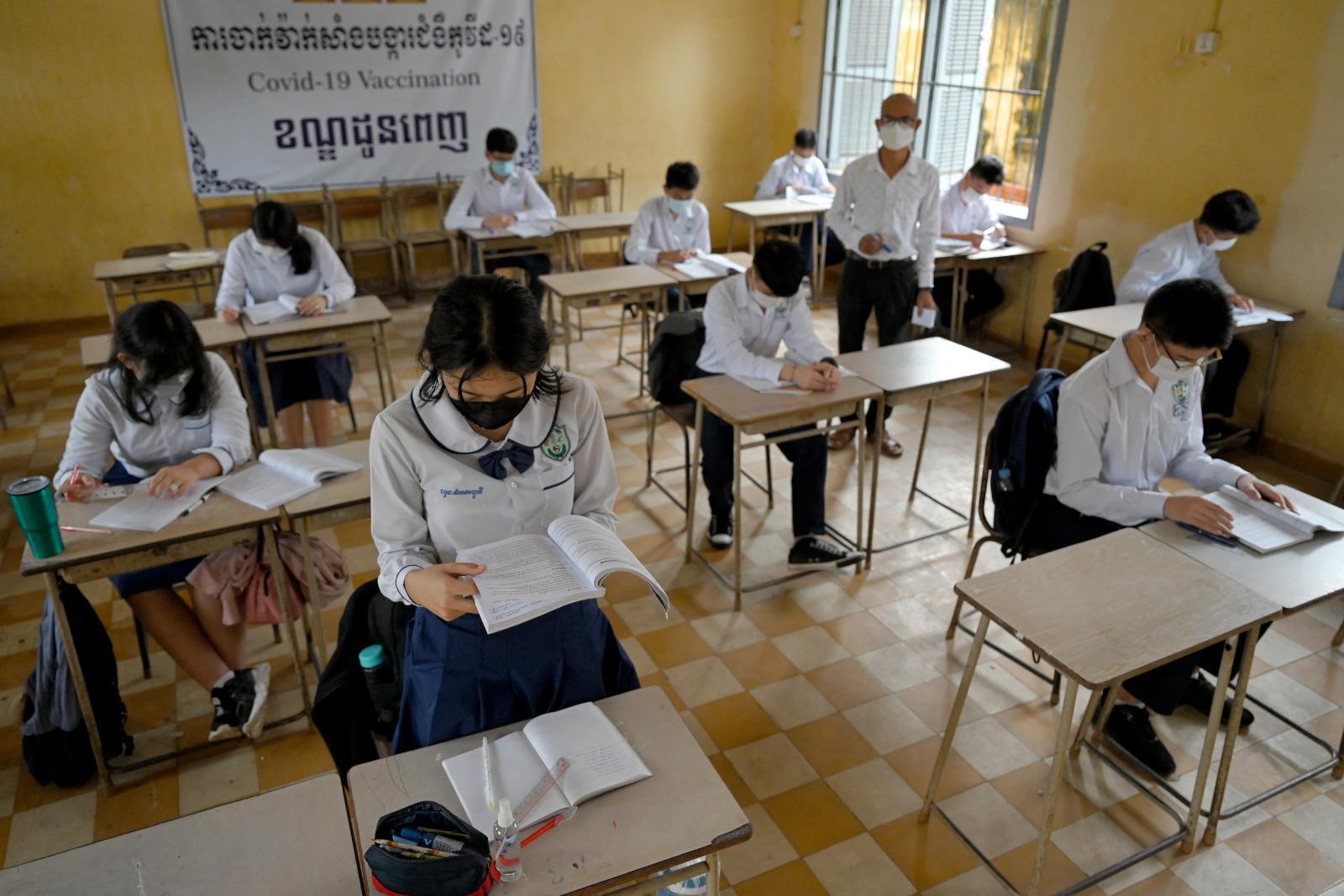 กัมพูชาเตรียมฉีดวัคซีนโควิดให้เด็ก 6-12 ปี หลังเปิดโรงเรียนมัธยมสำเร็จ