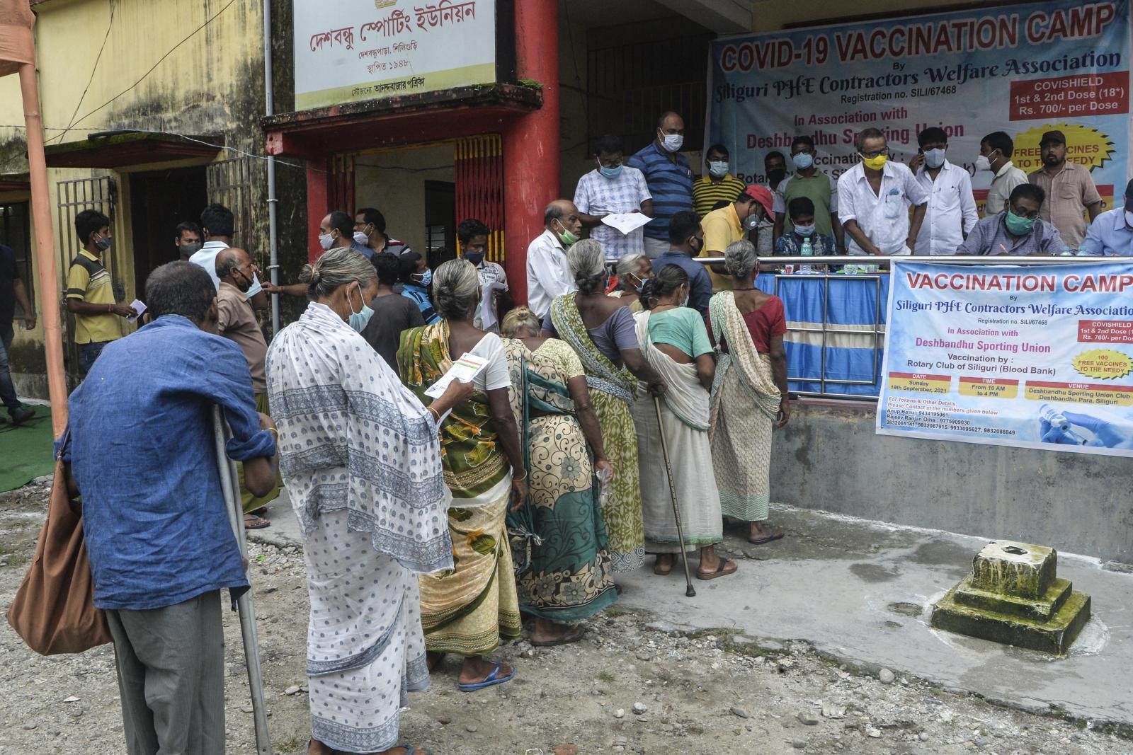 อินเดียประกาศกลับมาส่งออกวัคซีนโควิด-19 เริ่มเดือน ต.ค. นี้
