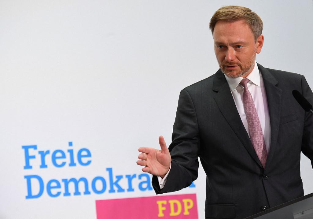 ผลเลือกตั้งเยอรมนียังชี้ขาดผู้ชนะไม่ได้ สองพรรคใหญ่หาแนวร่วมตั้งรัฐบาล