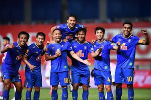 บีจี ปทุม 10 คนเปิดบ้านเฉือน ขอนแก่น ยูไนเต็ด 2-1