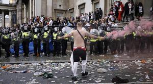 ยูฟ่า ลงโทษอังกฤษปิดสนามเตะกรณีแฟนบอลป่วนนัดชิงยูโร  2020