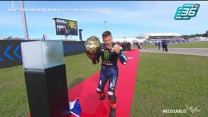 Fabio Quartararo รับหมวกทองคว้าเเชมป์โลก MotoGP 2021